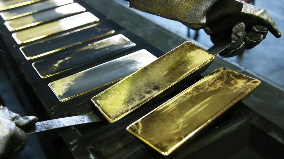 Zlato zamierilo nahor. Čakalo na podpis protikrízového balíčka v USA
